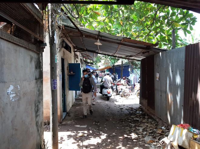 Công an báo cáo ban đầu, xác định danh tính 3 nạn nhân tử vong trong vụ cháy nhà lúc rạng sáng ở Sài Gòn - Ảnh 7.