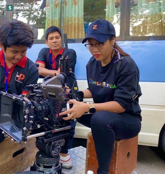 Chuyện ăn chơi khiến bố mẹ xỉu lên xỉu xuống của nữ đạo diễn triệu views Giang Thanh - Ảnh 5.
