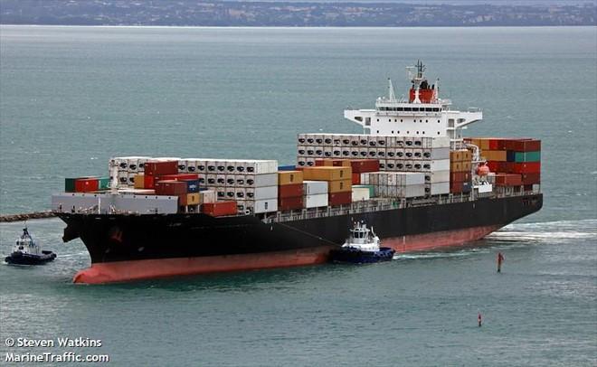 NÓNG: Tàu Israel bị tên lửa Iran tấn công, thiệt hại lớn - Biển Ả Rập dậy sóng - Ảnh 2.