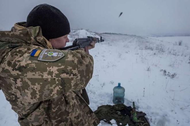 Nga ra tối hậu thư: Ukraine chỉ được phép nổ súng khi có lệnh từ cấp chỉ huy cao nhất? - Ảnh 2.