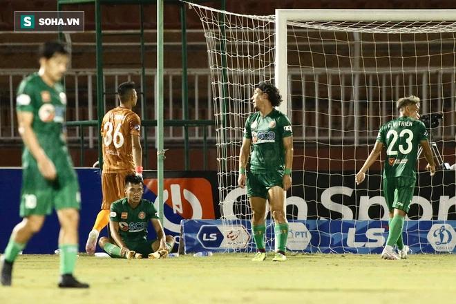 Sao mai U22 Việt Nam cosplay bàn thắng của Công Vinh khi Nam Định hủy diệt Sài Gòn FC - Ảnh 2.