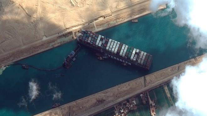 150 năm huy hoàng của kênh đào Suez sụp đổ vì một con tàu mắc kẹt - Ảnh 1.