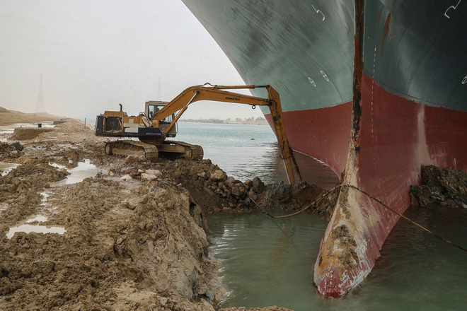 150 năm huy hoàng của kênh đào Suez sụp đổ vì một con tàu mắc kẹt - Ảnh 3.
