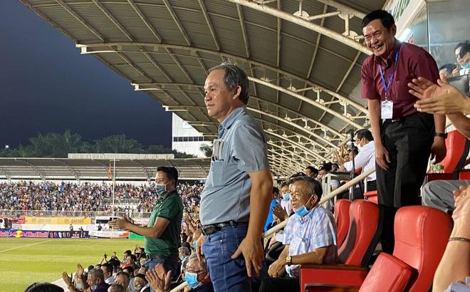 KẾT THÚC HAGL 3-0 TP.HCM: HLV Kiatisuk trổ tài, Phượng - Toàn - Minh tỏa sáng làm đẹp lòng bầu Đức