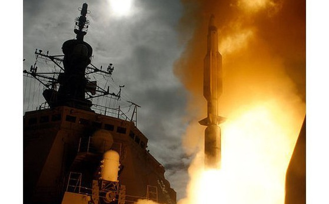 """400 tàu chiến Trung Quốc dàn trận vẫn """"không có cửa"""" thắng Mỹ: Tại sao?"""