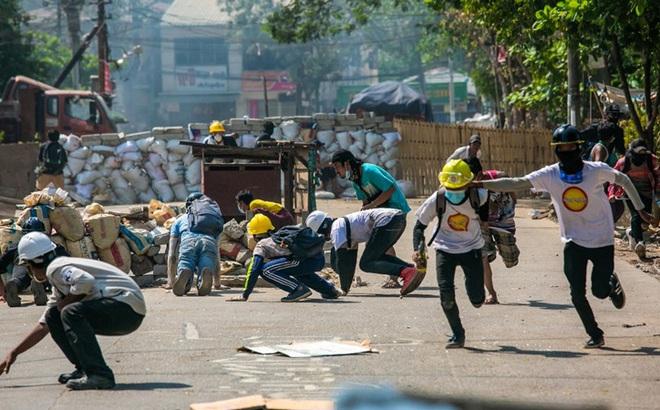 NÓNG: Mỹ tạm dừng mọi giao dịch thương mại với Myanmar cho đến khi chính quyền dân sự hoạt động trở lại
