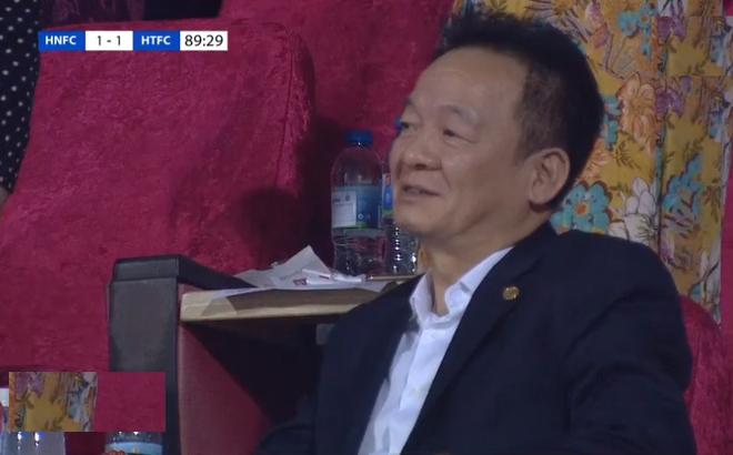 Bầu Hiển phản ứng lạ khi Hà Nội FC ghi bàn, HLV Chu Đình Nghiêm phải đặc biệt lưu ý