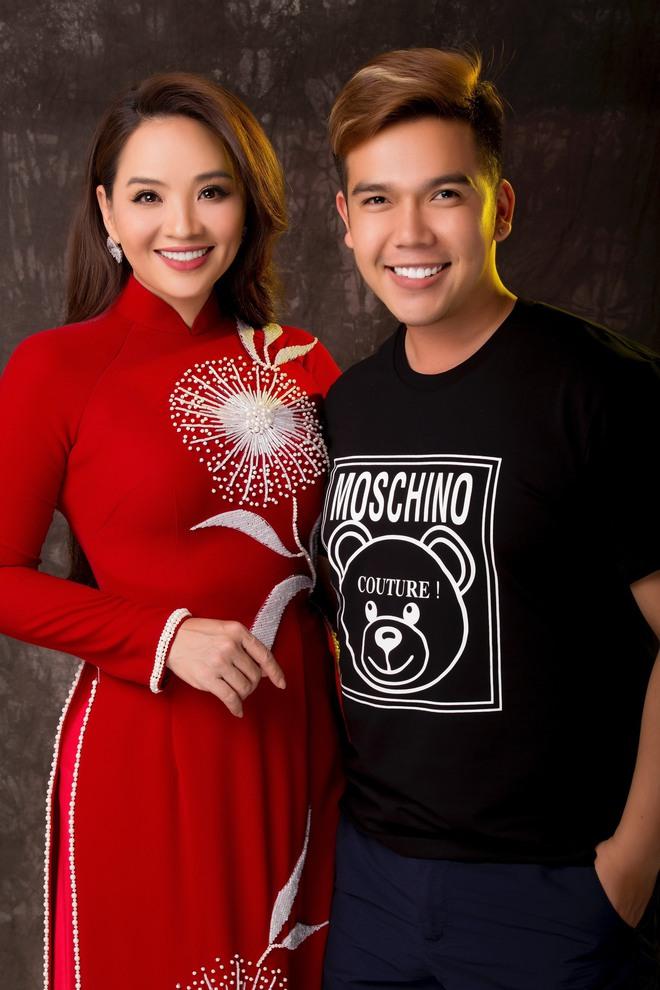 Diễn viên Hoài An quý phái với áo dài NTK Minh Châu - Ảnh 2.