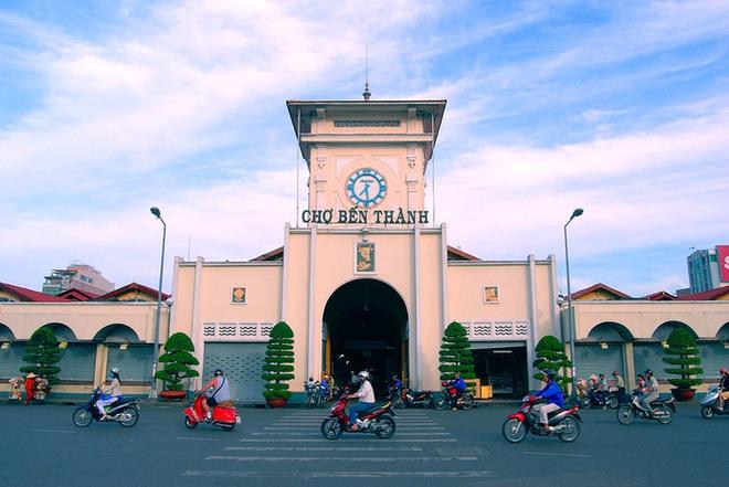 2 chợ truyền thống nổi tiếng của Việt Nam bị Mỹ cáo buộc bán hàng nhái khét tiếng - Ảnh 1.