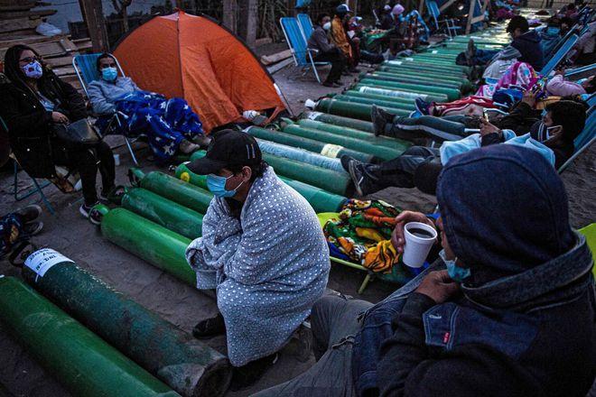 Biến thể mới Brazil quật đổ hệ thống y tế địa phương, tấn công người trẻ tuổi - Ảnh 2.