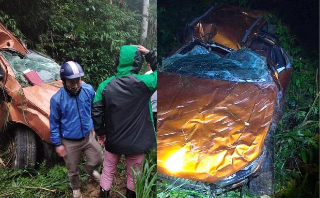 Xe bán tải lộn nhiều vòng lật xuống vực sâu hơn 100m khiến 1 người tử vong, 2 người bị thương ở Nghệ An