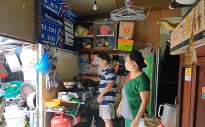 Con gái nuôi thất lạc 40 năm của NSND Kim Cương sống khó khăn trong nhà lụp xụp