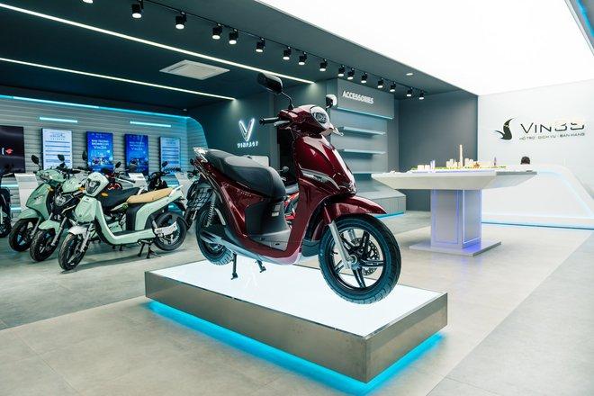 """Bên trong loạt showroom xe máy điện VinFast kết hợp trung tâm trải nghiệm Vin3S """"xịn xò"""" - Ảnh 5."""