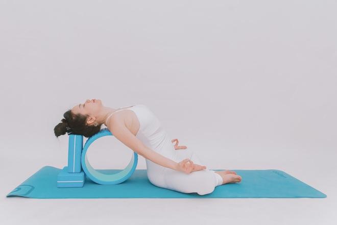 Bài tập dành cho người bị đau cổ vai gáy: Ai cần phòng ngừa đau đớn thì tập luôn và ngay - Ảnh 12.