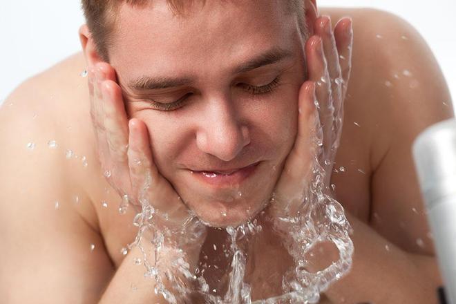 Máy rửa mặt có thực sự thần thánh? BS da liễu: Dùng đúng thì sạch, dùng sai thì tạch - Ảnh 4.