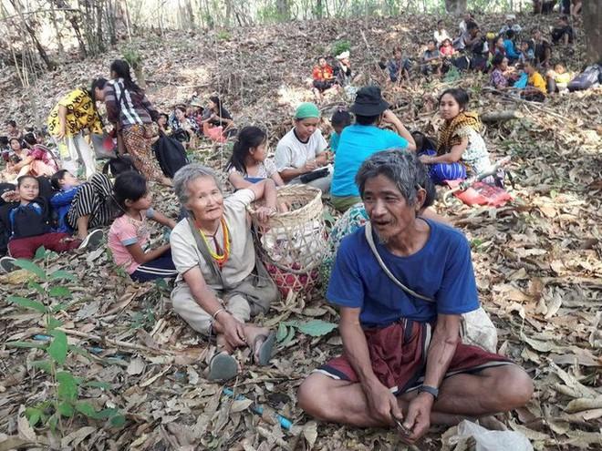 Hơn 500 người chết từ khi đảo chính, Myanmar hứng biểu tình rác - Ảnh 3.