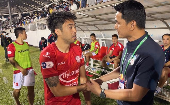 Bầu Đức mời Kiatisak và Lee Nguyễn ăn tối để xóa bỏ hiềm khích
