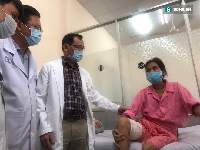 Lần đầu tiên: Bệnh viện Việt Nam cắt bỏ thành công khối u quỷ cho người mắc căn bệnh di truyền 100% cho con gái - Ảnh 1.