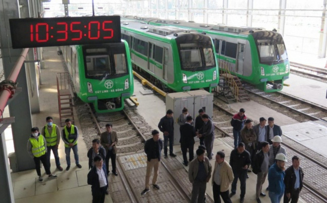 Bộ GTVT kiểm tra hiện trường các hạng mục đường sắt Cát Linh - Hà Đông