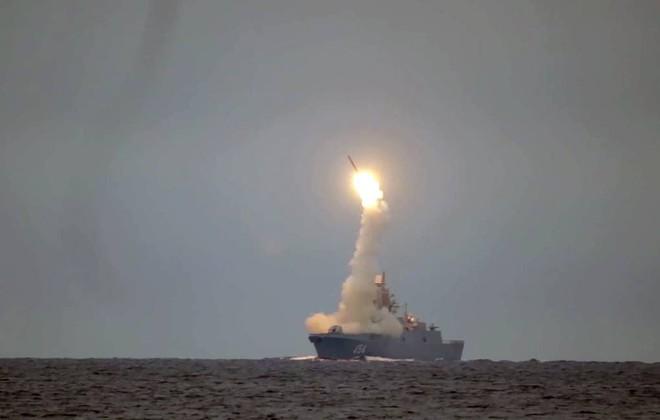 Nga chặn đứng một âm mưu ở Kaliningrad - Ukraine dồn dập tấn công, cả trăm quả đạn nã tới tấp vào Donetsk - Ảnh 1.