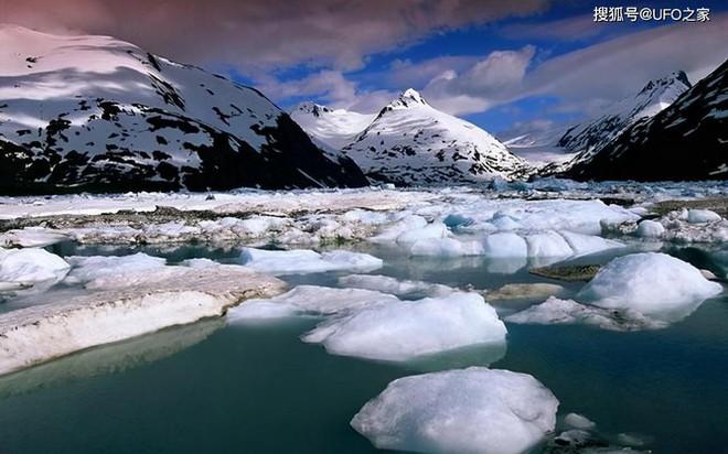 Tuyết dưa hấu lại xuất hiện, Nam Cực chìm trong màu đỏ - Ảnh 1.