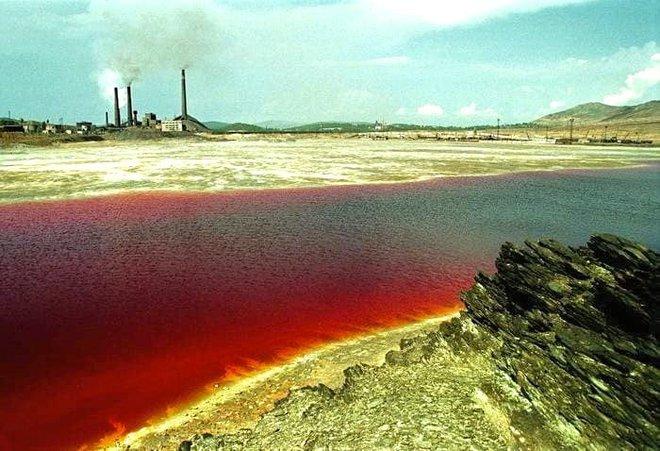 Có ba hồ nước đáng sợ trên thế giới: Một hồ nước sôi quanh năm, một hồ có thể giết người, hồ còn lại? - Ảnh 1.