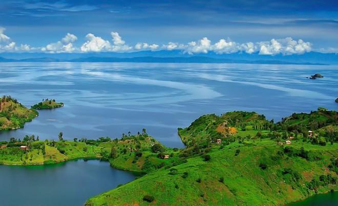 Có ba hồ nước đáng sợ trên thế giới: Một hồ nước sôi quanh năm, một hồ có thể giết người, hồ còn lại? - Ảnh 4.