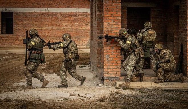 Cuộc chiến tranh hỗn hợp toàn cầu của TT Nga Putin: Mọi con đường đều dẫn tới Ukraine - Ảnh 7.