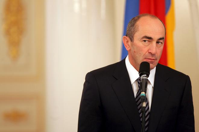 Cựu TT Armenia hé lộ giả thuyết chấn động: 4.000 quân bị dùng như tốt thí ở Karabakh? - Ảnh 1.