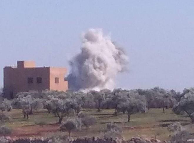 Nga ra đòn quá nhanh và nguy hiểm ở Syria, Su-35 tay đấm chết chóc góp mặt - TT Biden khẩn cấp dừng tấn công Syria - Ảnh 2.
