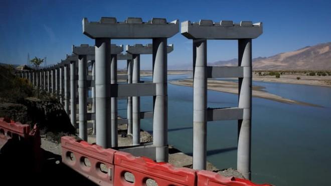 Lộ diện dự án khủng ở Tây Tạng, hoành tráng hơn đập Tam Hiệp: TQ hả hê, Ấn Độ lo ngay ngáy? - Ảnh 2.