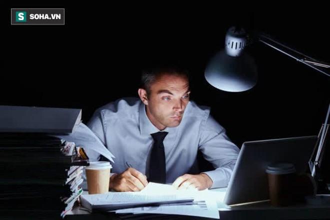 Người càng nhiều tuổi, càng nên tránh 3 công việc này, đặc biệt là từ sau tuổi 40 - Ảnh 2.