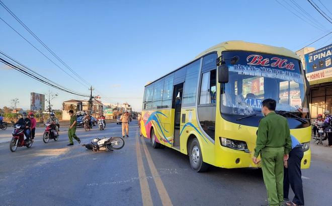 Va chạm với xe khách, cụ ông 91 tuổi tử vong trên đường đi cấp cứu