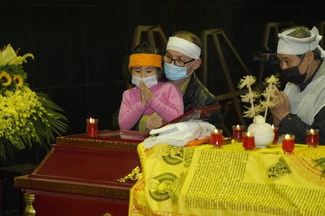 Cập nhật Tang lễ NSND Trần Hạnh: Con dâu khóc ngất, Công Lý, Chí Trung xót xa tiễn biệt - Ảnh 20.