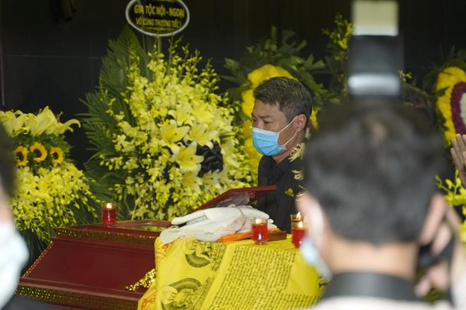 Cập nhật Tang lễ NSND Trần Hạnh: Con dâu khóc ngất, Công Lý, Chí Trung xót xa tiễn biệt - Ảnh 18.