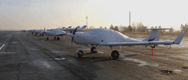 Vị khách bất thường xuất hiện tại căn cứ Không quân Nga ở Syria: Có nhiệm vụ gì bí mật? - Ảnh 2.