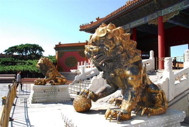 Hướng dẫn viên tiết lộ 3 đồ vật thần bí giúp Tử Cấm Thành thu hút hàng triệu lượt khách du lịch - Ảnh 1.