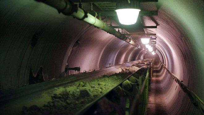 Mỏ vàng cô độc nhất hành tinh: Hàng trăm tấn vàng nằm yên không được ai khai thác - Ảnh 6.