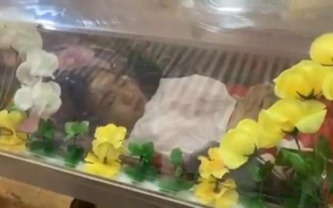 Ảnh: Đám tang nữ sinh Myanmar tử vong do bị bắn vào đầu trong biểu tình phản đối đảo chính - ảnh 3