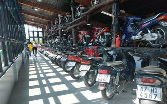 'Ông chủ' khu du lịch sưu tập hơn 500 chiếc xe máy cổ có '1 không 2', biển đẹp hàng đầu