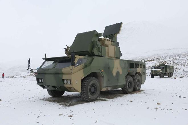 Siêu trộm công nghệ: Trung Quốc ra mắt hệ thống tên lửa mới mang tên Thợ săn tầm thấp - ảnh 1