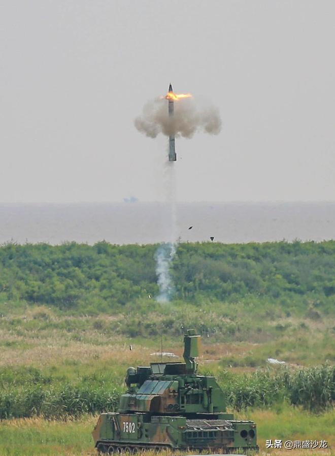 Siêu trộm công nghệ: Trung Quốc ra mắt hệ thống tên lửa mới mang tên Thợ săn tầm thấp - ảnh 5