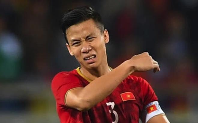 Hàng thủ tuyển Việt Nam 'thủng lỗ chỗ', HLV Park Hang-seo đau đầu tìm cách vá