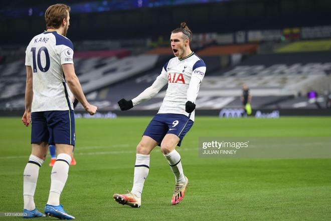 Man United bắn hạ Man City bằng 2 tuyệt chiêu; Tottenham hồi sinh ngoạn mục với Bale - Ảnh 6.