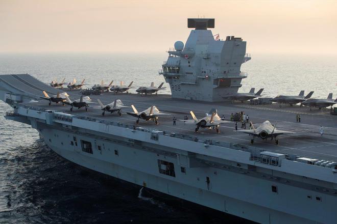 Biết rõ Trung Quốc có thể tấn công, tàu sân bay Anh vẫn tiến vào tâm bão: Sức ép từ Mỹ? - Ảnh 2.