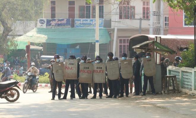 Myanmar: Biểu tình lan rộng, quan chức đảng NLD thiệt mạng - Ảnh 1.