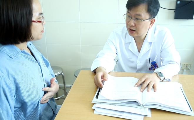 Mỗi ngày có 25 phụ nữ tử vong vì bệnh này: Bác sĩ nhắc mỗi tháng kiểm tra 1 lần, có 7 dấu hiệu sau phải cảnh giác