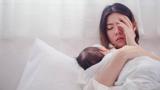 Bà mẹ trẻ thú nhận có suy nghĩ tiêu cực làm hại con, rung lên hồi chuông cảnh báo về trầm cảm sau sinh - Ảnh 1.