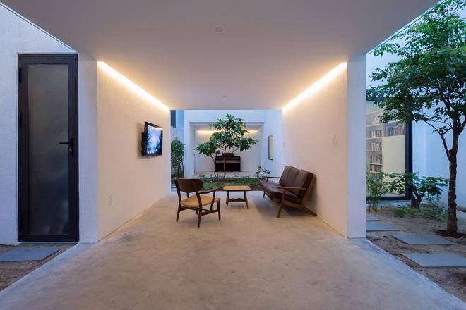 Đà Nẵng: Ngôi nhà có sàn bê tông, trát bằng cát thô, vữa xi măng xuất hiện lạ lẫm trên báo - Ảnh 11.