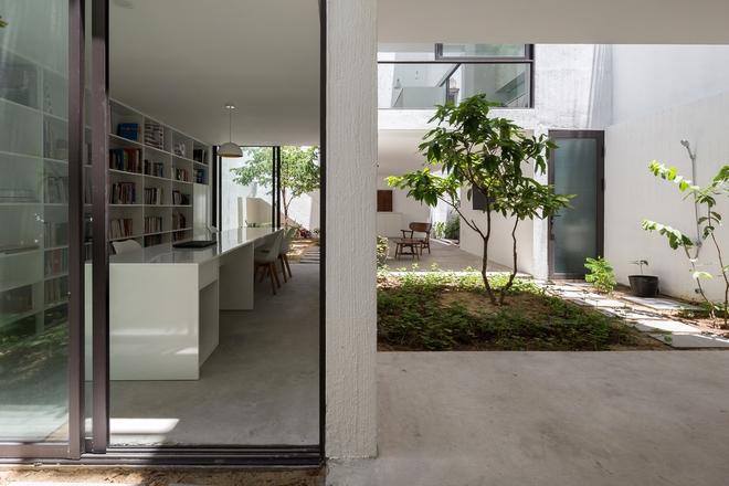 Đà Nẵng: Ngôi nhà có sàn bê tông, trát bằng cát thô, vữa xi măng xuất hiện lạ lẫm trên báo - Ảnh 3.